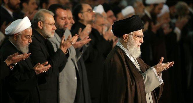 İran dini lideri Hamaney 8 yıl aradan sonra cuma namazı kıldırdı