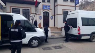 Balıkesir deki suç örgütüne yönelik operasyonda 7 kişi tutuklandı