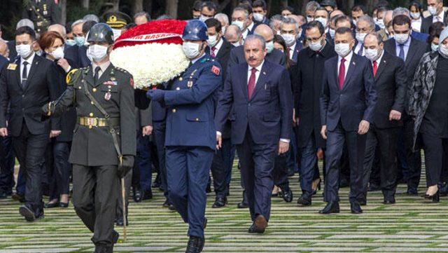 Devlet erkanı maskelerle Ata'nın huzurunda! Ankara'da kısıtlı tören