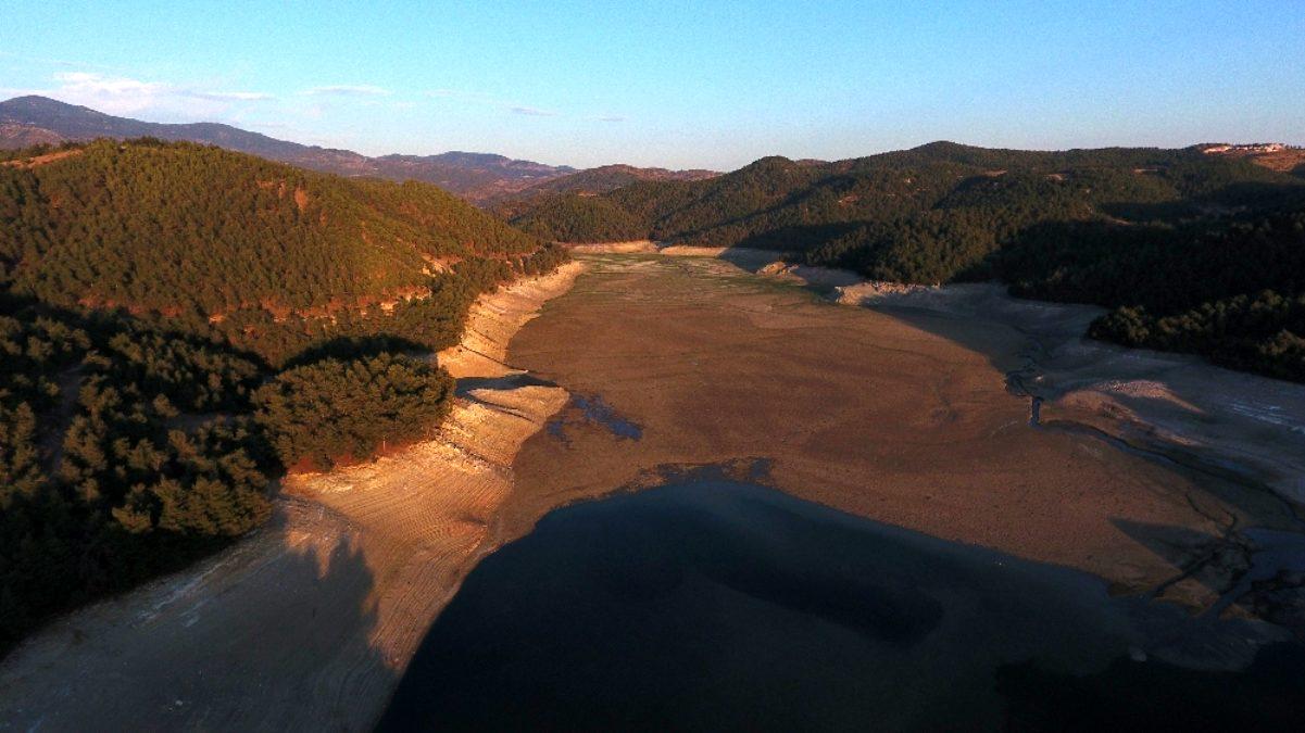 Balıkesir de kuraklığın görüntüsü: Çaygören Barajı alarm veriyor