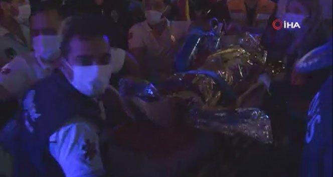 Buse, 9,5 saat sonra enkaz altından kurtarıldı