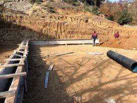 İvrindi Belediyesi halı saha çalışmalarına hız verdi