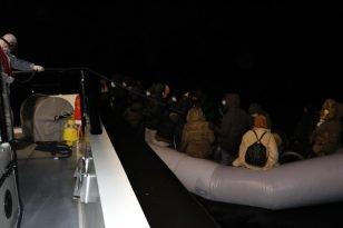 Balıkesir açıklarında 34 düzensiz göçmen kurtarıldı