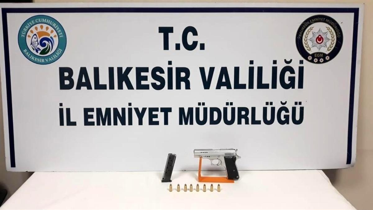 Son dakika haberleri   Balıkesir de polis 87 aran şahsı yakalarken, 21 silah ele geçirdi
