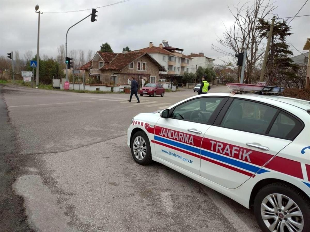 Yayalara yol vermeyen araç sürücülerine ceza yağdı