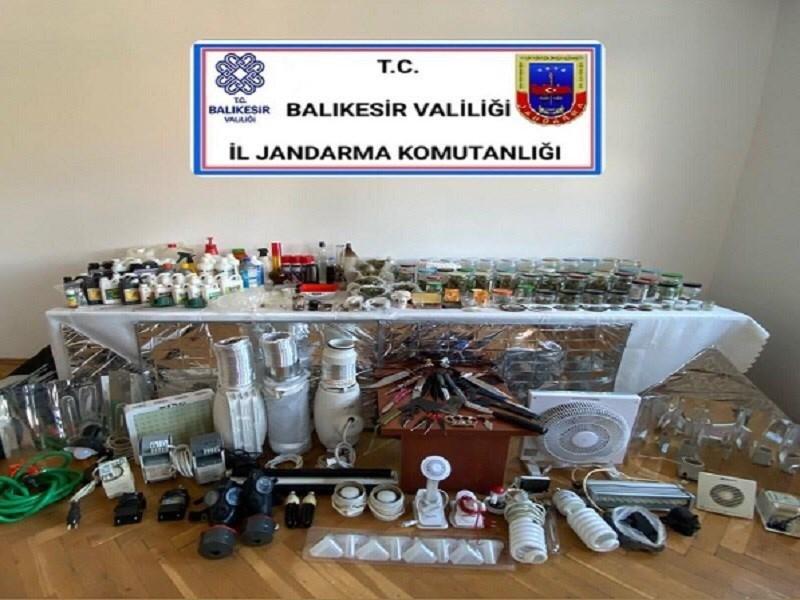 Ayvalık'ta 5 kilo uyuşturucu ele geçirildi