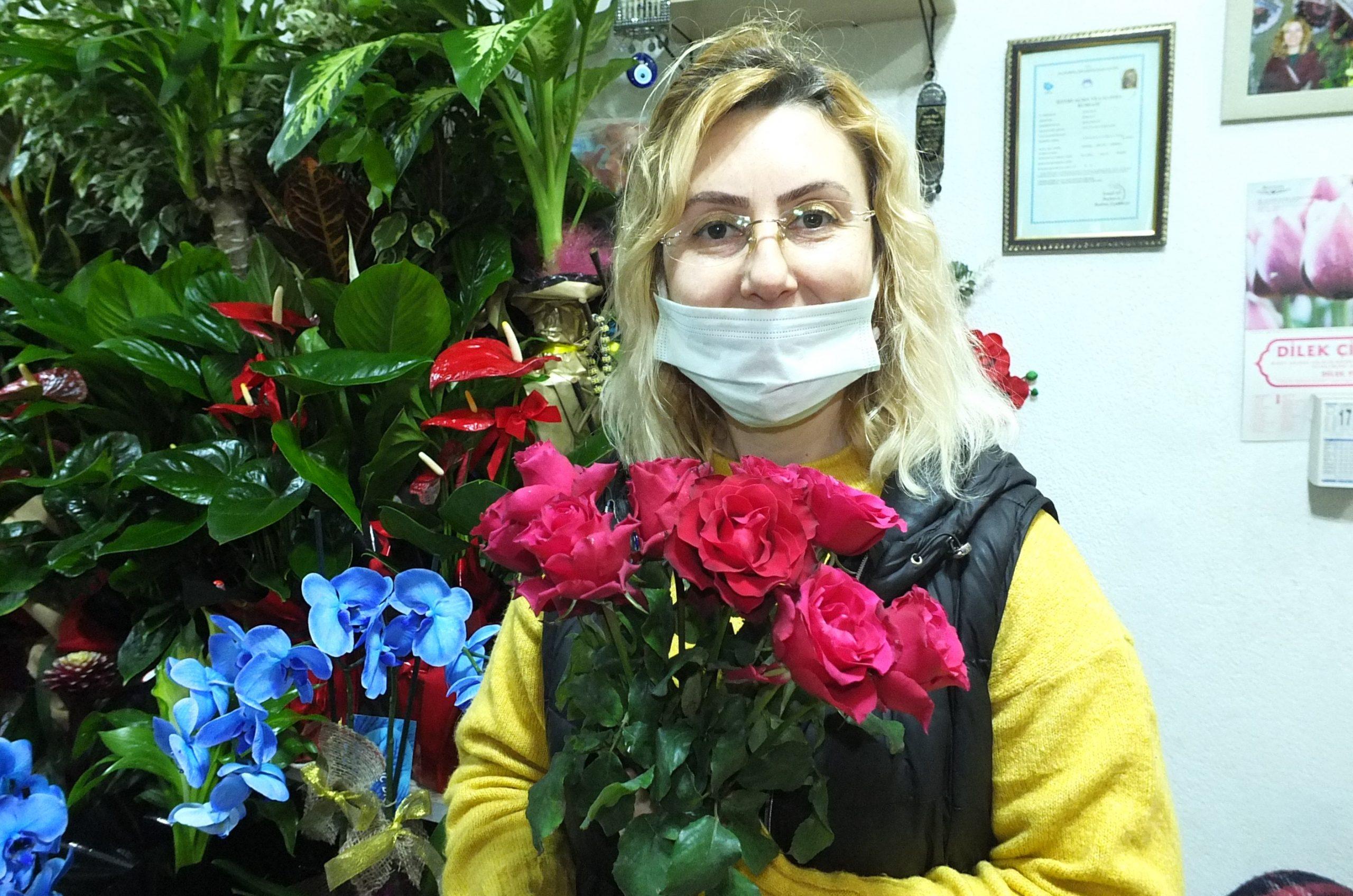 Bandırmalı çiçekçilerden, 14 Şubat'ta evlere servis