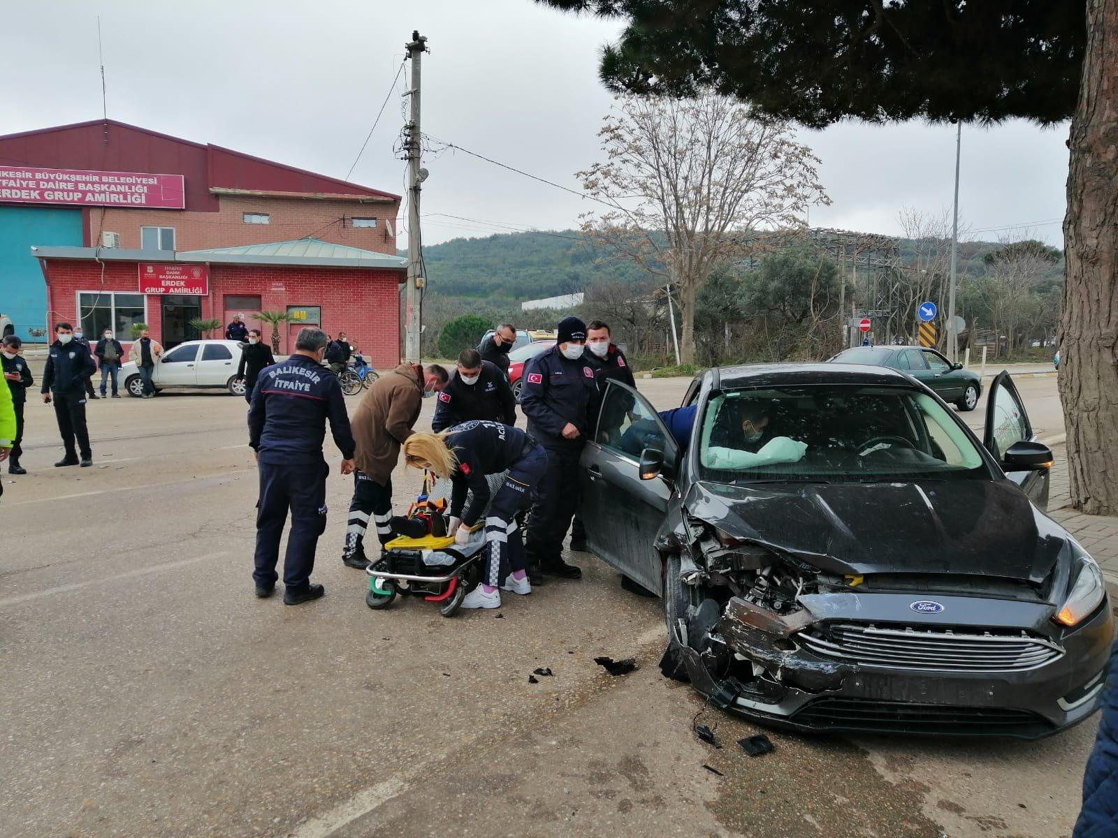 Erdek'te kazada iki kişi yaralandı