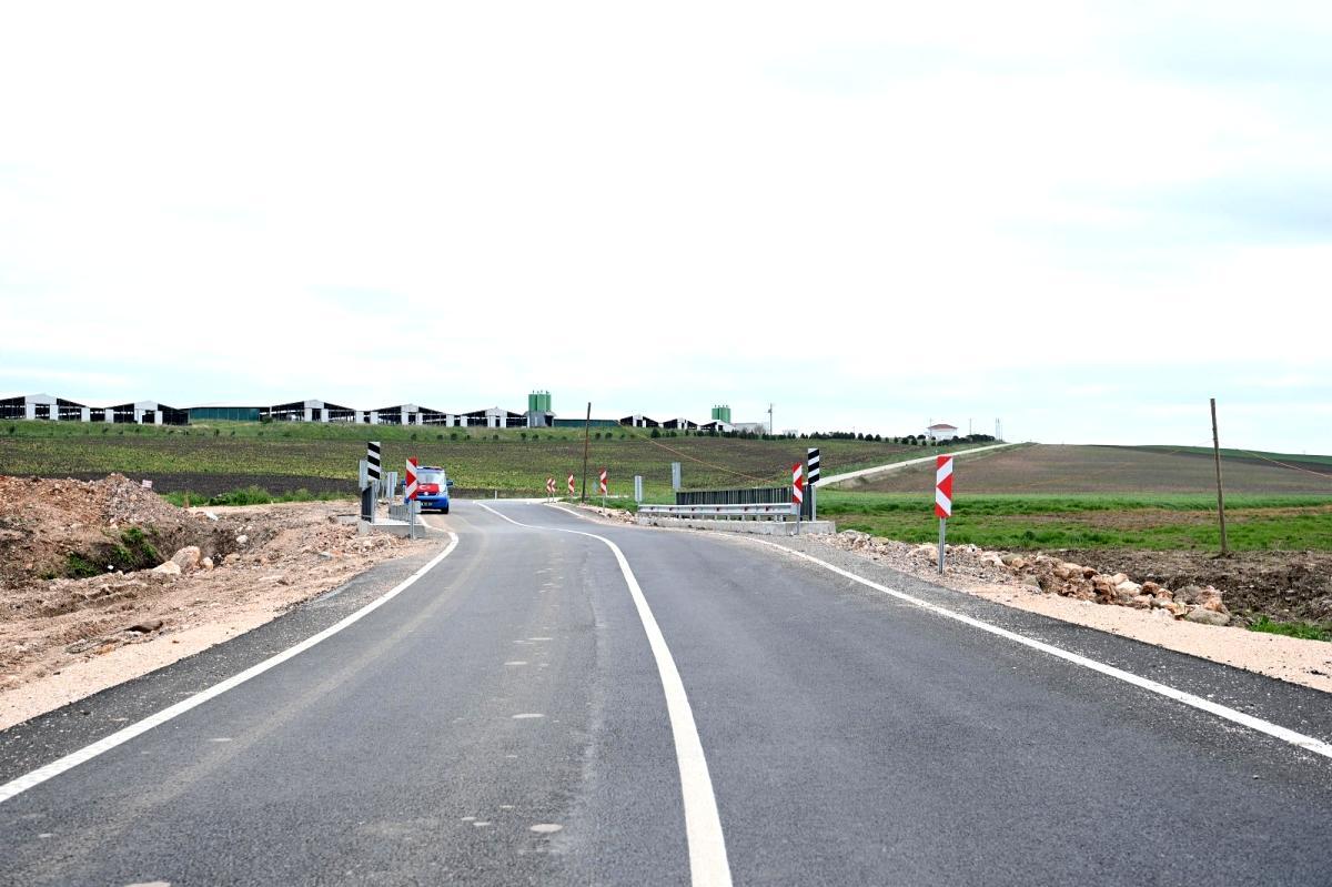 Büyükşehir den üç ilçeye yol müjdesi