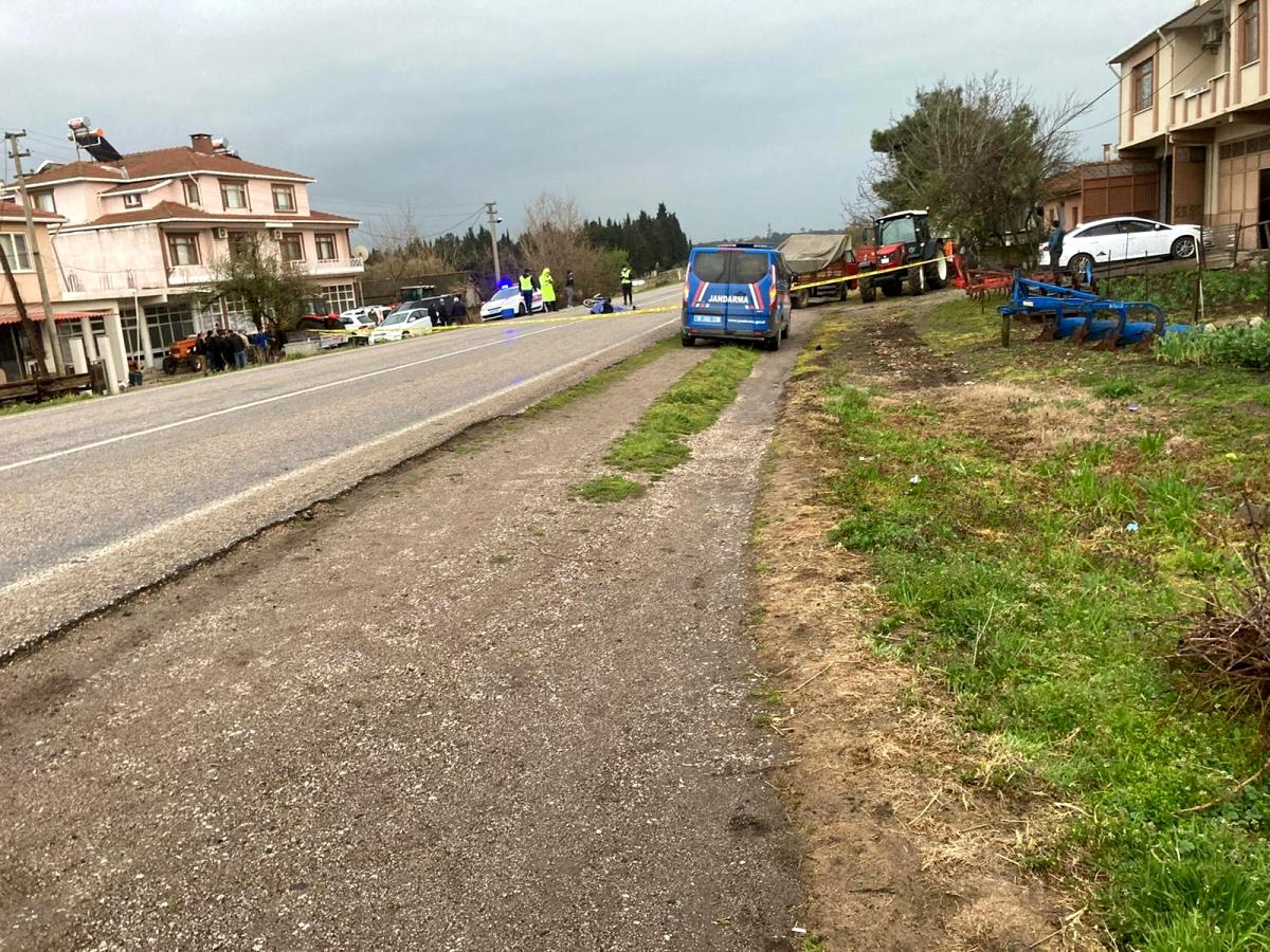 Motosikletiyle kamyonetin altında kalan genç kız hayatını kaybetti