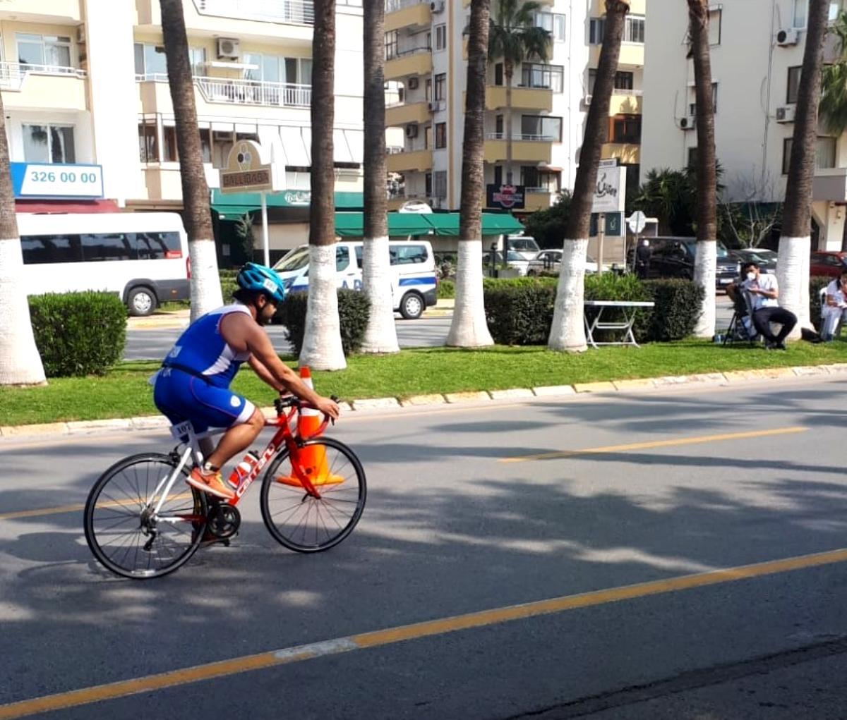 Triathloncu Gazi Ekrem Taşkın Türkiye şampiyonu