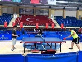Kurumlar arası masa tenisi turnuvası başladı