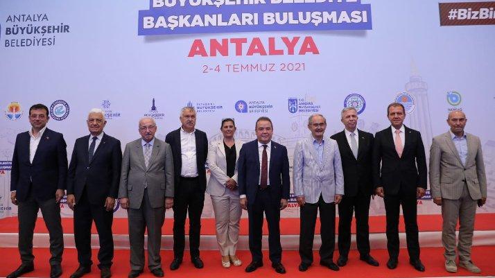 CHP'li başkanlar Antalya'da bir araya geldi