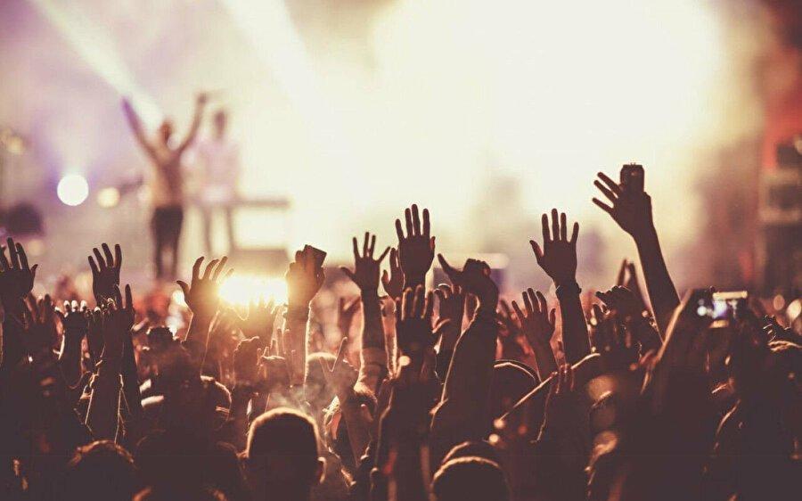 Konser, sinema, maç bileti için aşı şartı gündeme getirildi