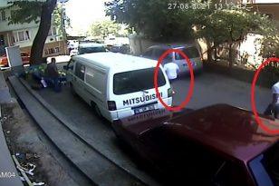 Bursa'da yol verme kavgasında böyle kavga ettiler: 2 yaralı