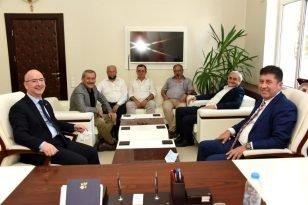Milletvekili Tüzün ve Başkan Bakkalcıoğlu, Kaymakam Yaman la bir araya geldi