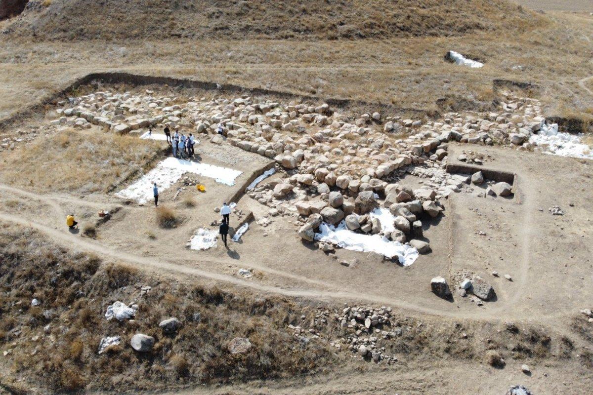 Dünyanın bilinen en eski mozaiği Yozgat'ta bulundu
